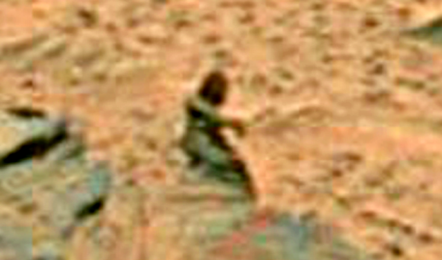 ローブを着た女性(ET DATA BASEより)
